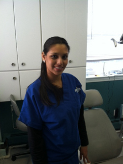 Jennyfer, dental assistant